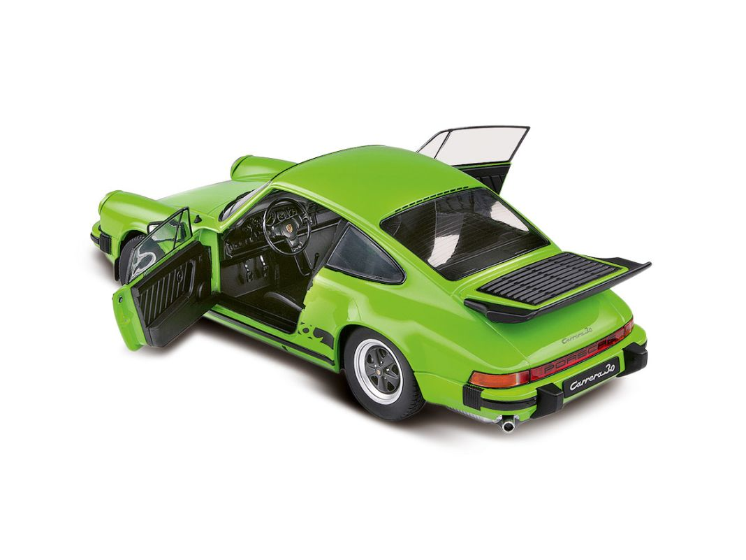 Dem giftigen Porsche 911 (930) Turbo als Coupé steht im Maßstab 1:18 diese neue Farbe von Solido ganz ausgezeichnet