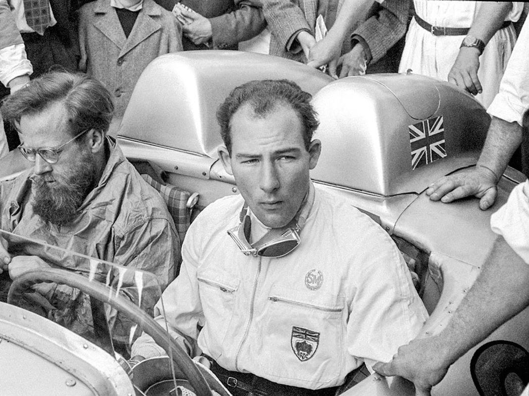"""Stirling Moss war als Rennfahrer ein Allrounder, den aber seine Wahnsinnshatz bei der Mille Miglia 1955  auf der""""722"""" unsterblich machte"""