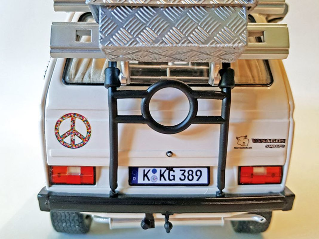 VW-T3-Syncro-Umbau auf Schuco-Basis in 1:18