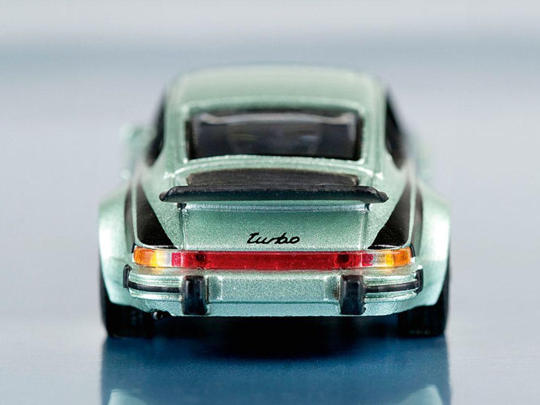 Porsche 911 Turbo in 1:64-Modell