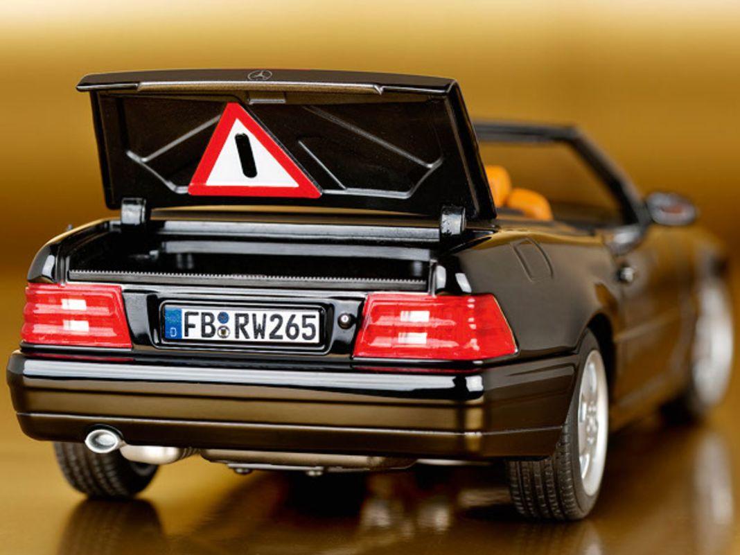 1998 Mercedes-Benz 500 SL von Norev in 1:18