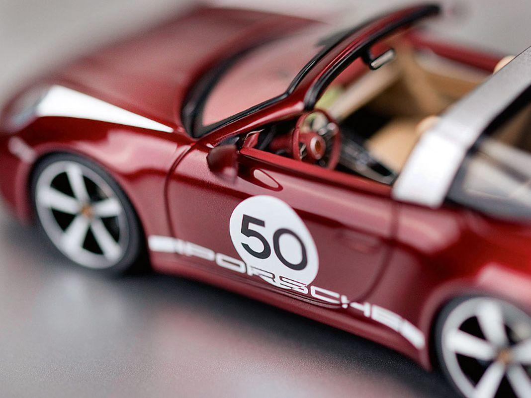 """Porsche 911 4S Targa """"Heritage"""" von Minichamps in 1:43"""