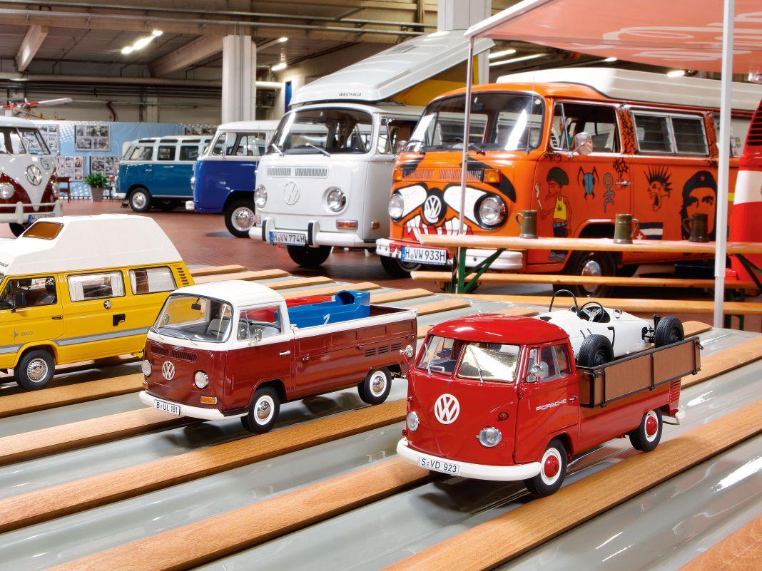 VW Bulli T6 von NZG, T3, T2 und T1 von Schuco in 1:18