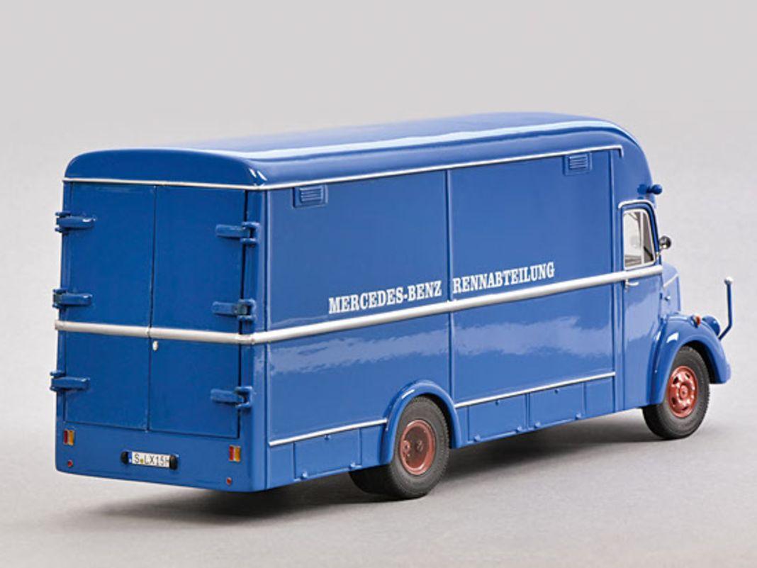 Mercedes O 3500 Renntransporter von Schuco in 1:43