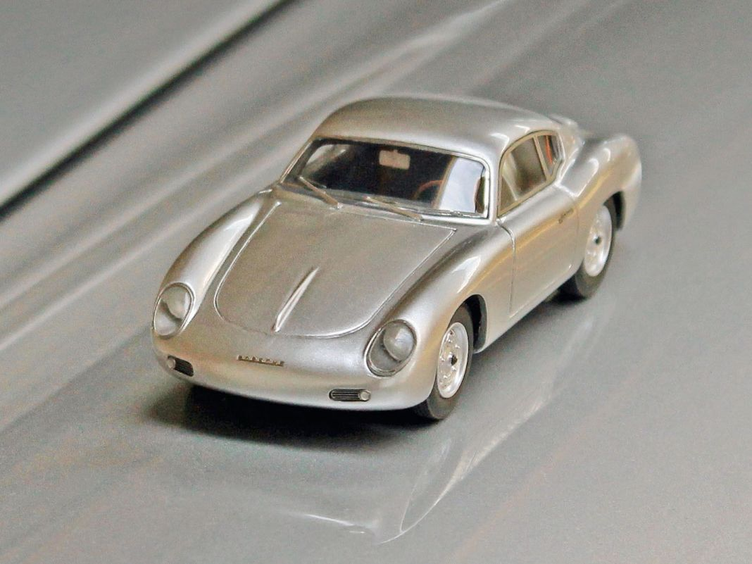 Wir wissen nicht, ob er in den Fünfzigern wirklich gebaut wurde, aber in 1:43 sieht er verdammt attraktiv aus, der Porsche 356 als Coupé von Zagato