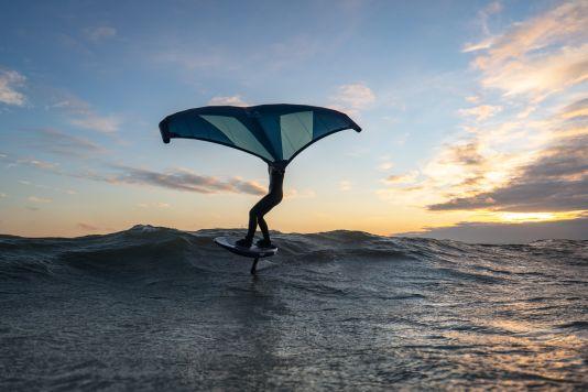 Kleine Wellen zum Wingen gibt's auch auf der Ostsee