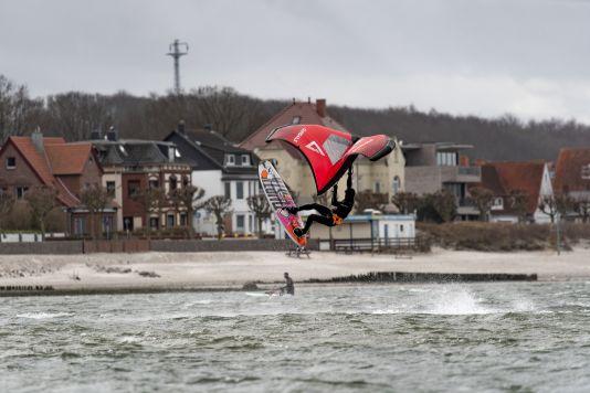 Wingen mit einem Windsurfboard ist definitiv möglich!