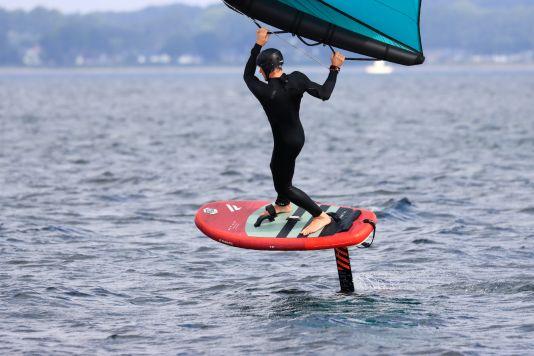In der Luft merkt man beim Fanatic Sky Air kaum einen Unterschied zu festen Boards