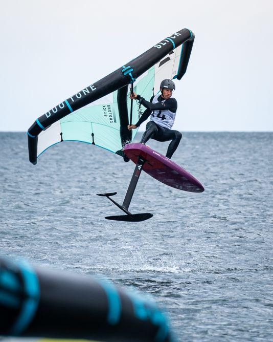 Klaas Voget trickste sich beim Foil Festival zum Deutschen Meister im Wingfoilen