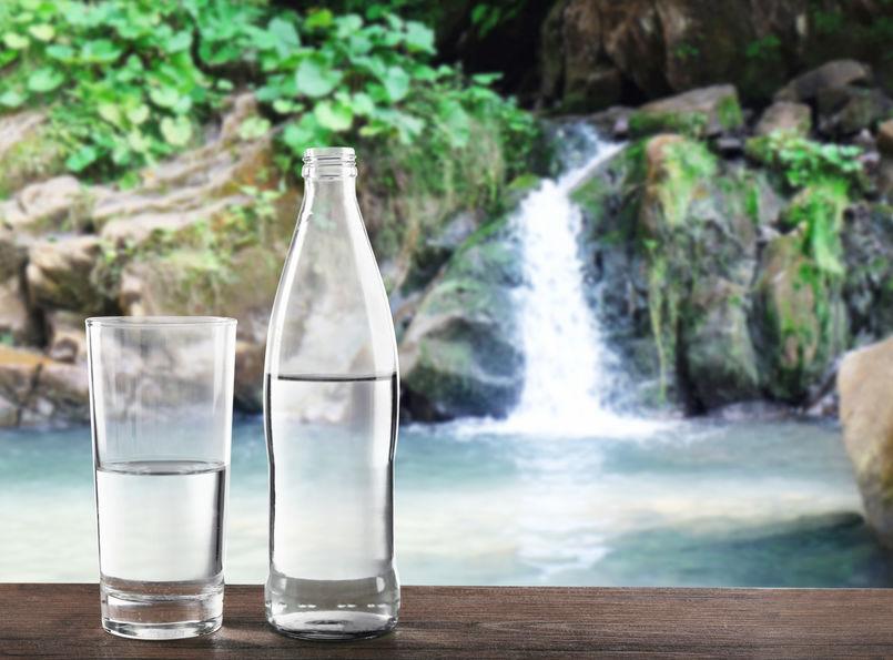 Wasser online bestellen und liefern lassen