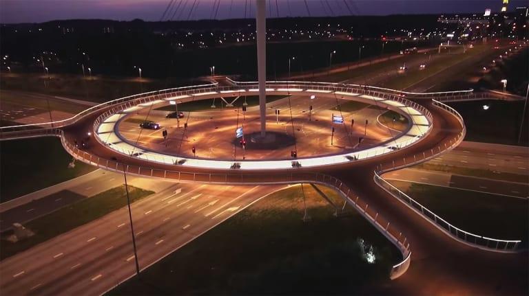Großes Kreisverkehr für Radfahrer