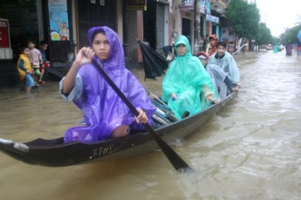 Thua Thien Hue flooding claims three lives, two missing