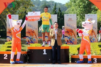 Tâm wins stages and yellow jersey in HCM City cycling event