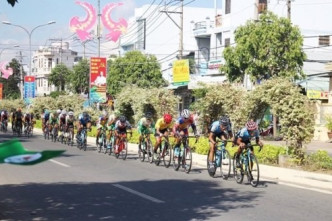 Kiệt takes cycling tour's fifth stage