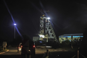 950 gold miners trapped underground in South Africa