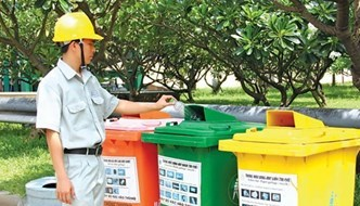 Waste sorting at source programme carried out in HCM City's industrial parks