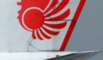 Lion Air plane carrying 178 passengers crashes into sea shortly after take-off from Jakarta