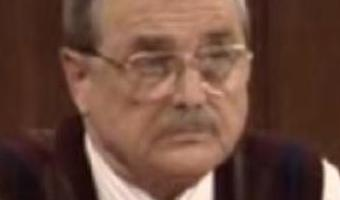 """91-year-old """"Boy Meets World"""" actor who played Mr. Feeny scares off would-be burglar"""