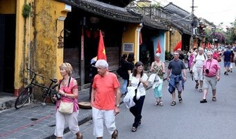 Vietnamese cities receive ASEAN Clean Tourist Awards