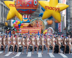 Watch this morning's Macy's Thanksgiving Day Parade live streamed in 360 degrees