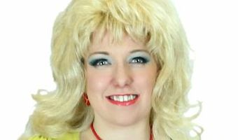 Dolly Parton musical 9 to 5 comes to Huddersfield