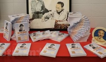 New book on late President Ho Chi Minh debuts in Canada