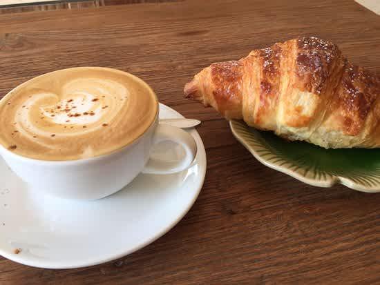 CoffeeCroissant