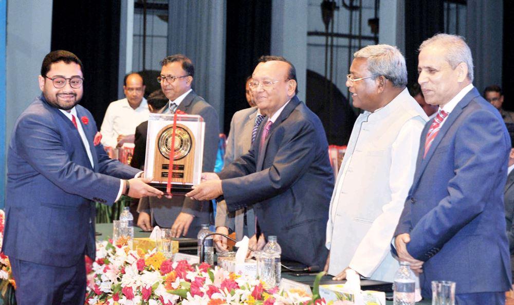 envoy textile ltd received the gold trophy for FY 2014-15