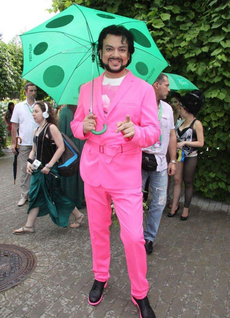 С королевского плеча: Филипп Киркоров открывает секонд-хенд одежды из своего гардероба