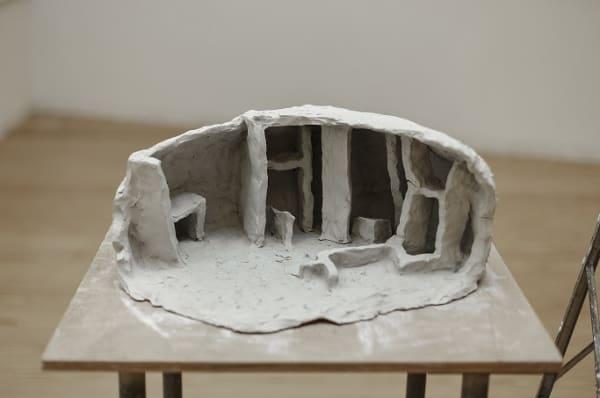 Obra de Susanne Themlitz, na exposição 'o pequeno mundo' na coleção CGD