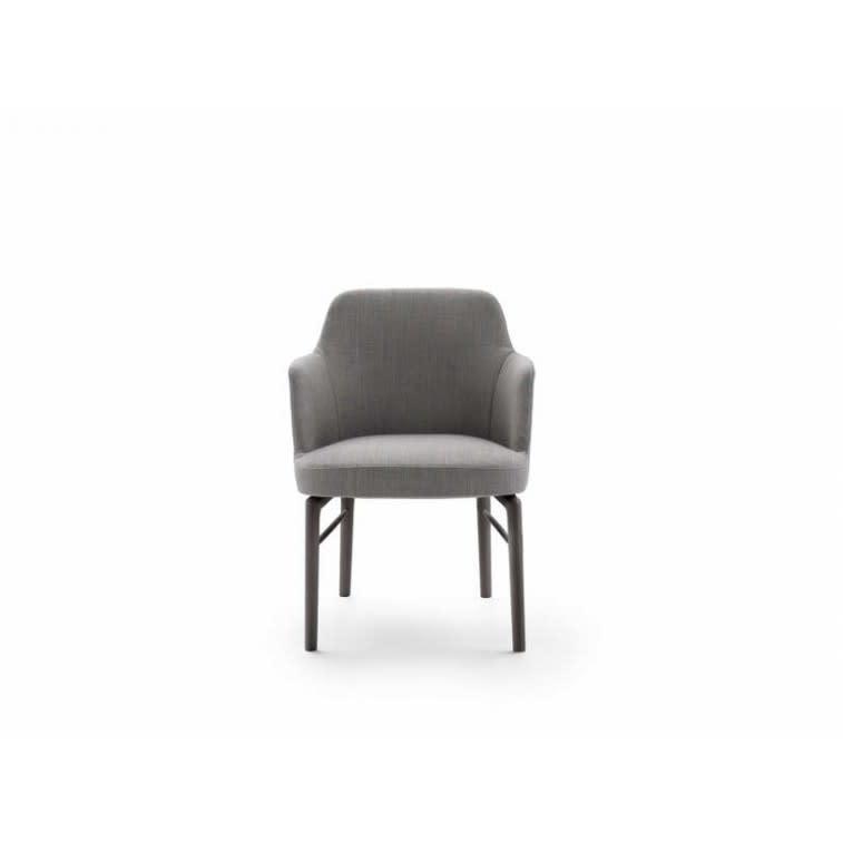 Flexform Leda chair with armrests front