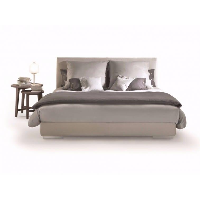 Flexform Magnum Bed by Centro Studi