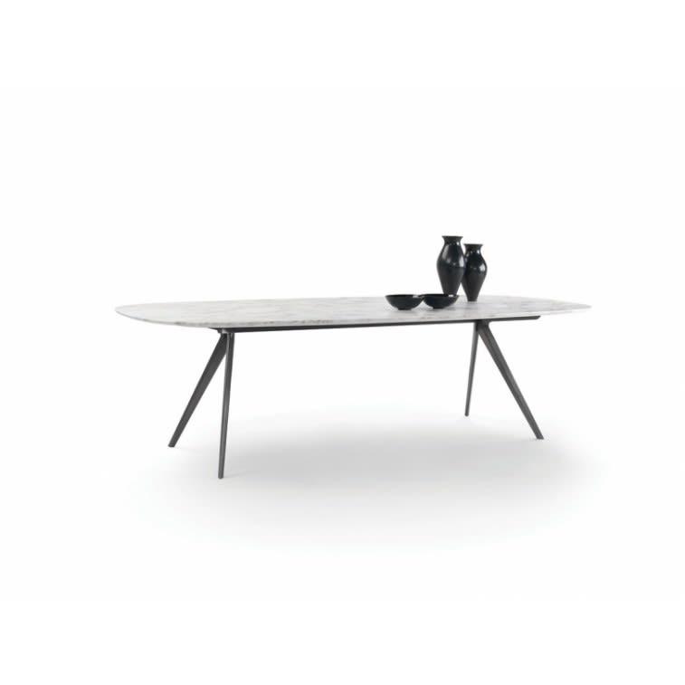 Zefiro Flexform table by Antonio Citterio