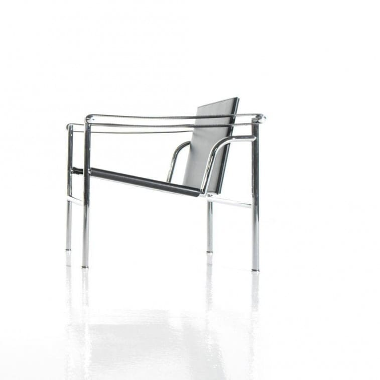 LC1 Black-Armchair-Cassina-Charlotte Perriand Jeanneret Le Corbusier