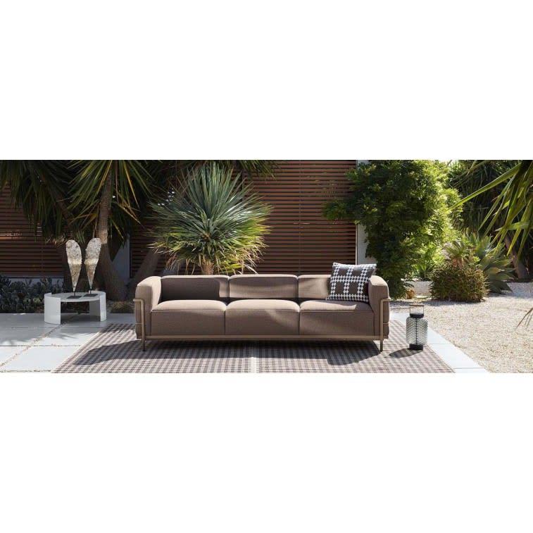 cassina-spider-outdoor-rug-settled