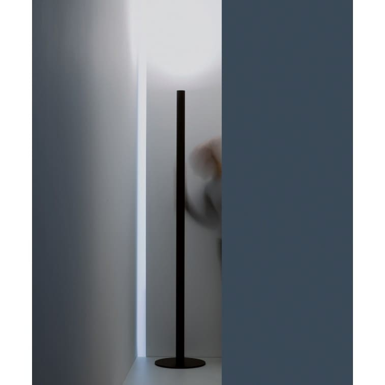 Mister-Floor Lamp-Davide Groppi-Omar Carraglia
