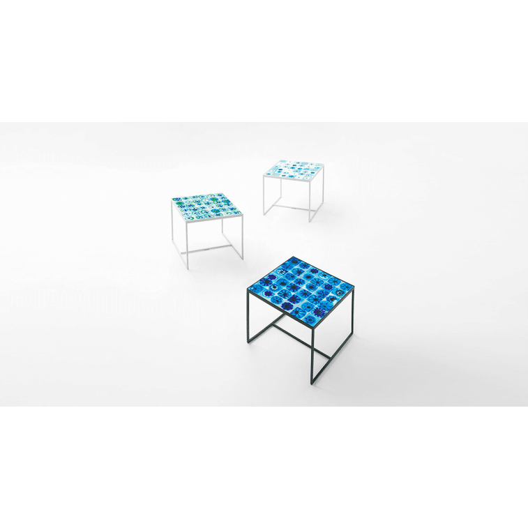 paola lenti bloom outdoor side table