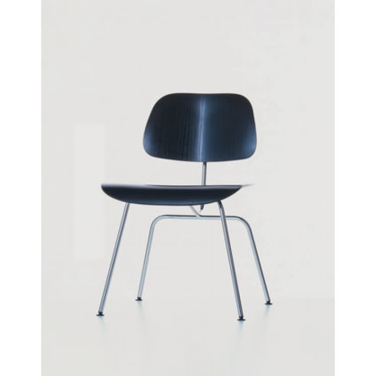 Plywood group DCM-Chair-VItra-Charles & Ray Eames