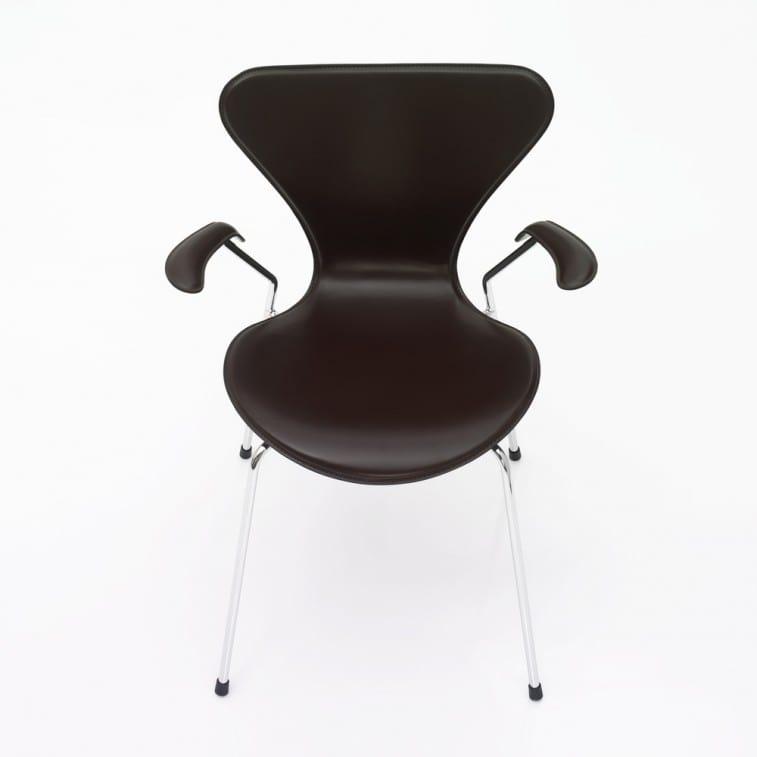 Series 7-3207-Padded-Chair-Fritz Hansen-Arne Jacobsen