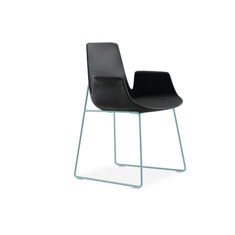 poliform-ventura-chair-sled-base-with-armrests