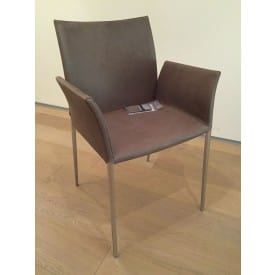 Lia Leather ArmChair-Chair-Zanotta-Roberto Barbieri