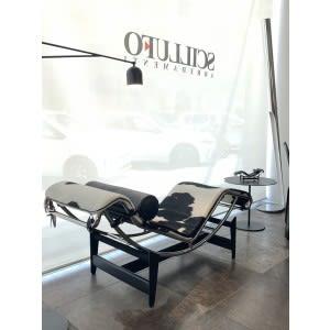 cassina lc4 chaise longue ponyskin