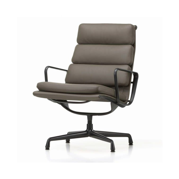 vitra eames soft pad chairs EA 215 216
