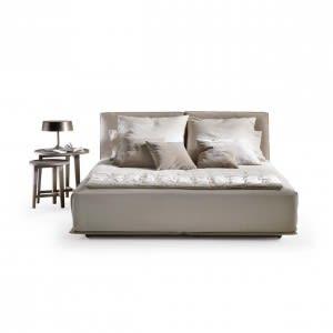 Flexform Grandemare Bed by Antonio Citterio