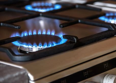 blue-gas-flame-on-stovetop; Credit: Photo-Mix at Pixabay.com