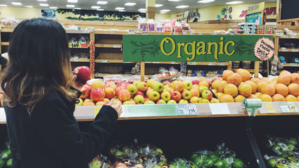 Grocery store with organic sign