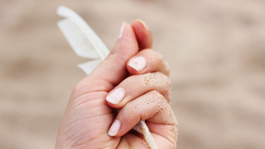 9 Important Nail Symptoms You Need to Know