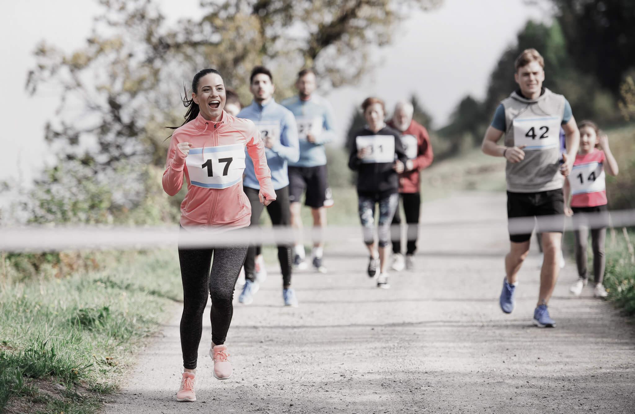 People running a marathon to raise money to help homeless poeple