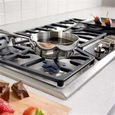Choosing Between a 5- or 6-Burner Cooking Surface