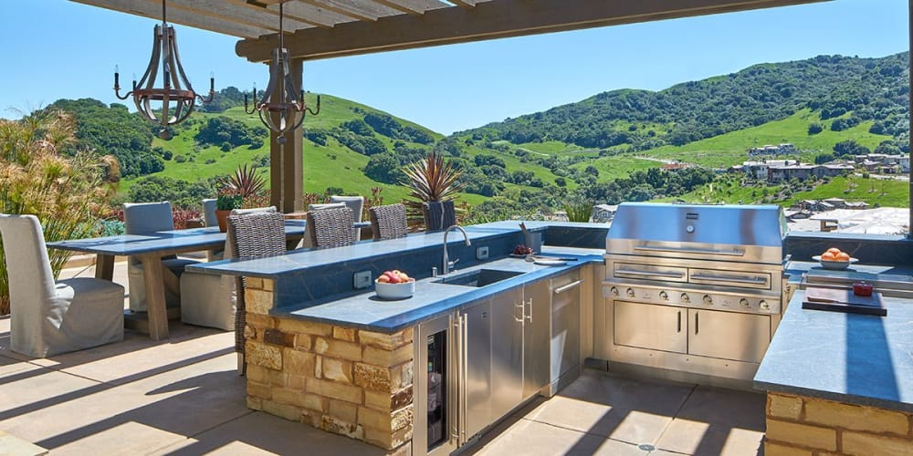 3 Essential Outdoor Kitchen Design Ideas on ideas kitchen tables, ideas kitchen design, ideas kitchen colors,